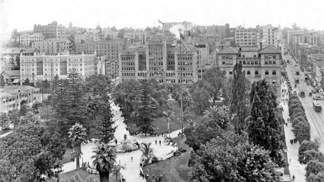 The Flâneur & The City: Hill Street